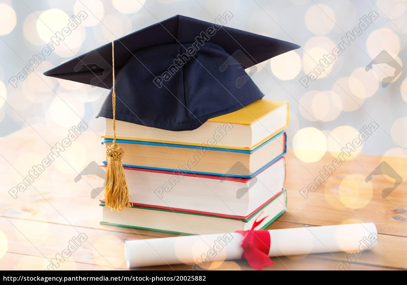 großaufnahme, von, büchern, mit, diplom, und - 20025882