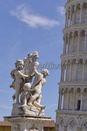 statuen und schiefen turm von pisa