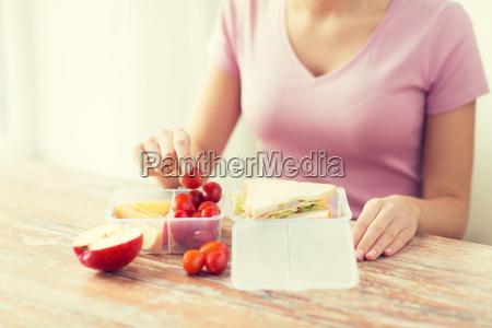 frau menschen leute personen mensch essen