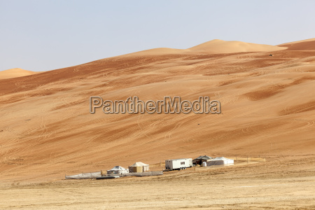 desert camp in liwa oasis