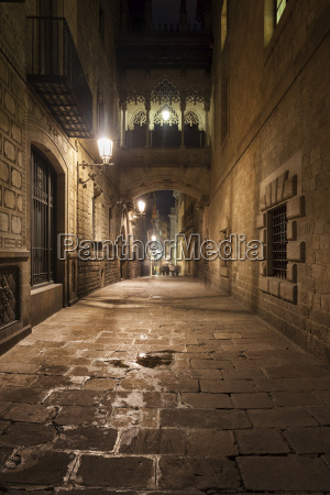 spain barcelona barri gotic at night