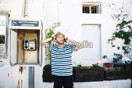 telefonzelle telefonhaeuschen telefon telephon menschen leute
