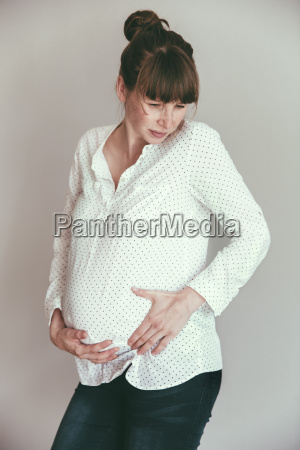 geburt entbindung gebaeren gefuehl schmerz mutterschaft