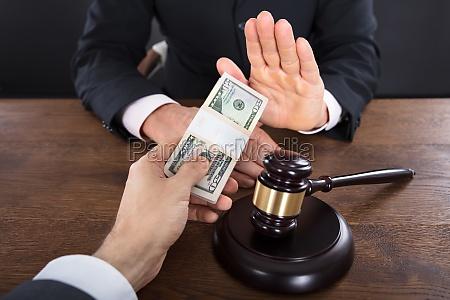 judge refusing to take a bribe