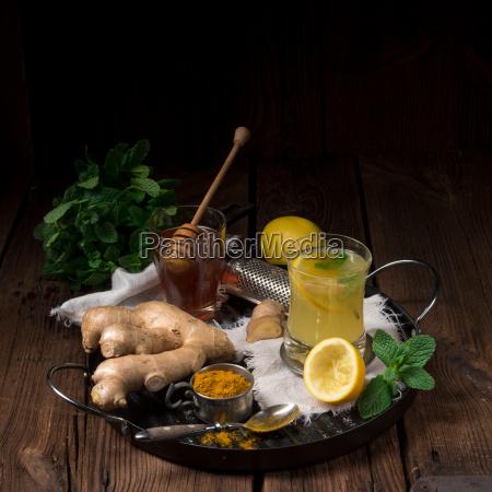 lemon ginger lemonade with honey