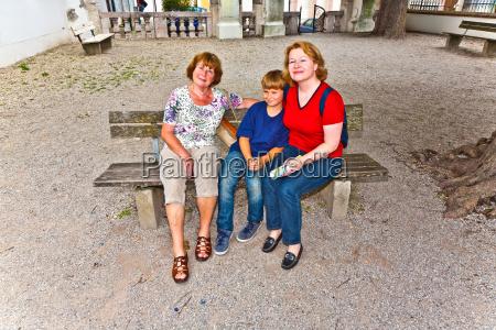 drei generationen einer attraktiven familie