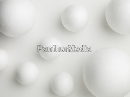 withe ball shapes