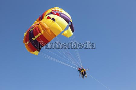 parasailing fun in the uae
