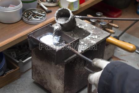 werkzeug werkzeuge handwerker handwerksmeister fuenf getriebe