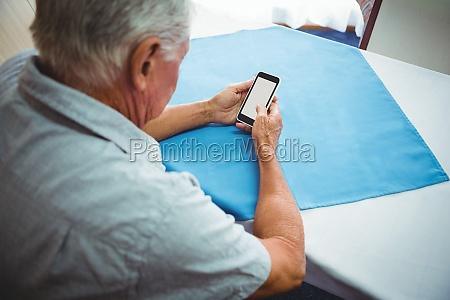 telefon telephon handy mobiltelefon lebensstil maennlich