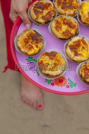 puff pastry muffins with ham and