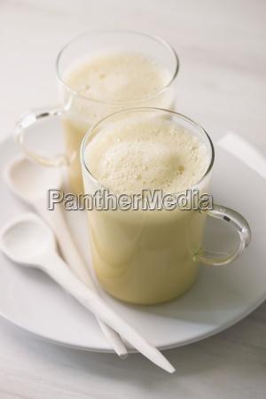 goldene milch ein drink mit kurkuma