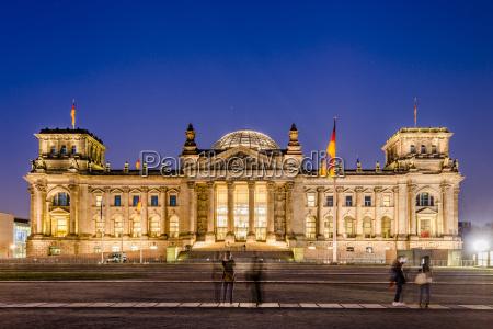 historisch geschichtlich kuppel nacht nachtzeit berlin