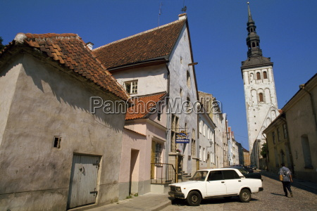 street scene and the niguliste church