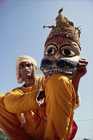 actor with mask worn in the