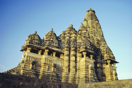 the kandariya mahadev temple in the