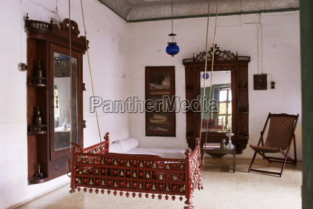 seating area with traditional hitchkar suspended