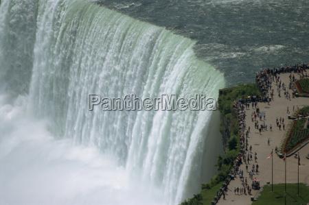 fahrt reisen tourismus touristen horizontal wasserfall