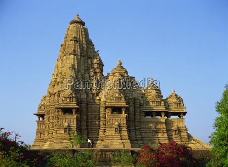 kandariya mahadev temple western group khajuraho