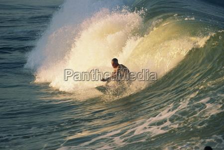 die rohre reiten batterie strandsurfen der