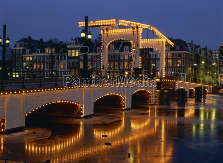 fahrt reisen bruecke nacht nachtzeit europa