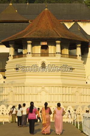 der tempel der heiligen zahn reliquie
