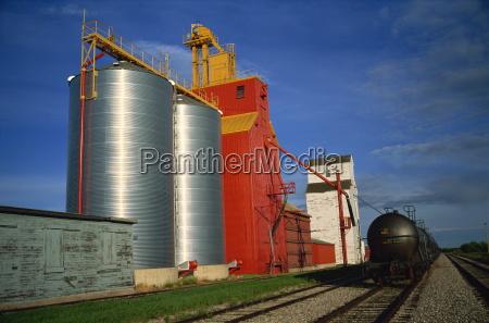 fahrt reisen landwirtschaft ackerbau schiene korn