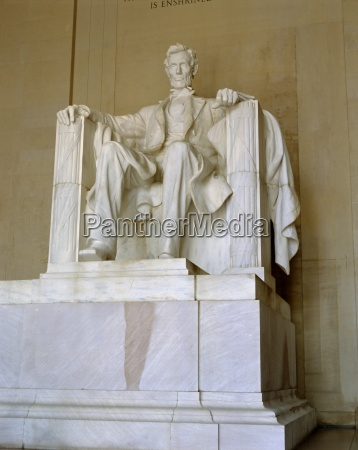 statue of abraham lincoln lincoln memorial