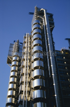 the lloyds building designed by richard