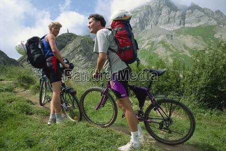 radfahrer auf der tour de mont