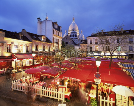 place du tertre at night montmartre