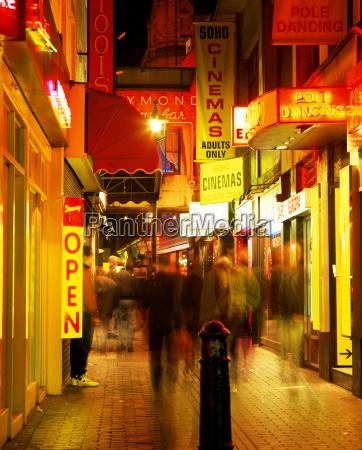 viaggio viaggiare colore notte luci caucasico