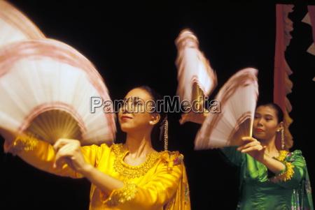 filipino dancers philippines southeast asia asia