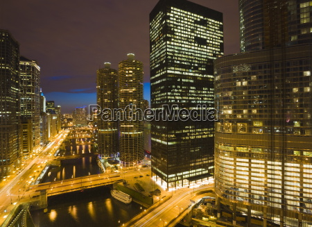 buildings along wacker drive and the
