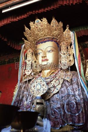 statue of the buddha lhasa tibet