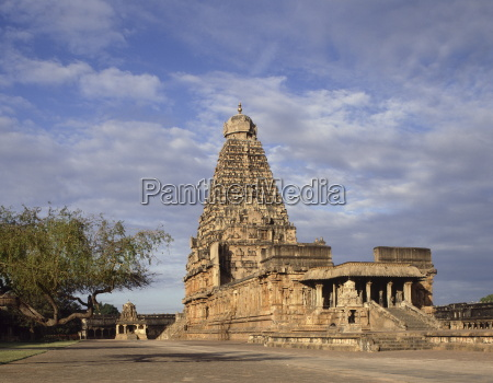 brihadisvara temple chola dynasty temple completed