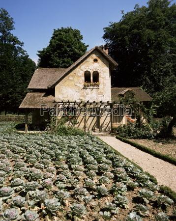 hameau de trianon palace grounds versailles
