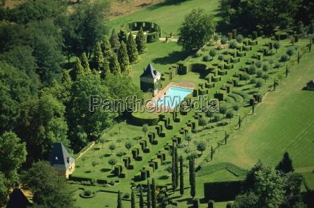 aerial view of les jardins deyrignac