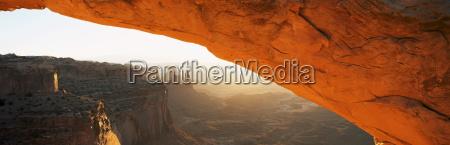 mesa arch at suise canyonlands national