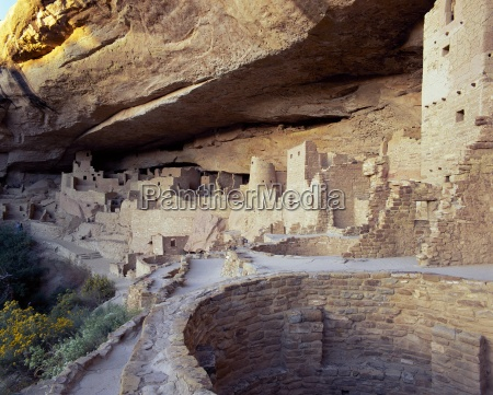 old cliff dwellings and cliff palace