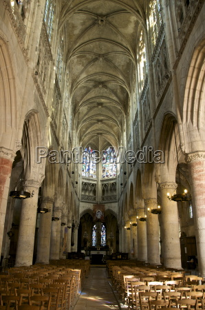 interior of notre dame church dating