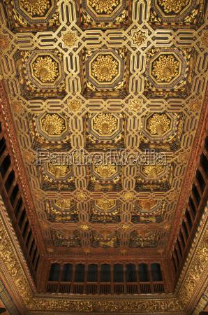 innen spanien golden rechteckig senkrecht touristenattraktion