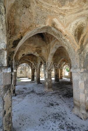 the great mosque kilwa kisiwani island