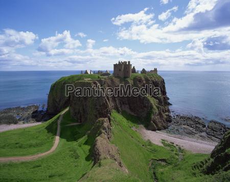 dunnottar castle near stonehaven highlands scotland