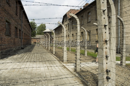 electric fence auschwitz concentration camp now