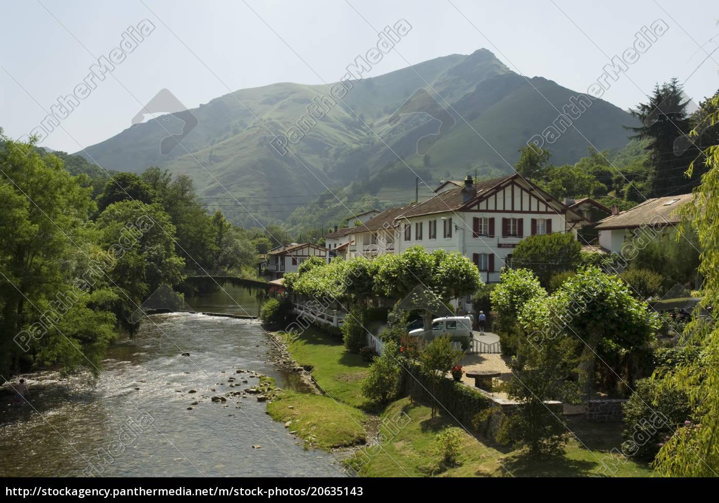 river, nive, , saint, etienne, de, baigorry - 20635143