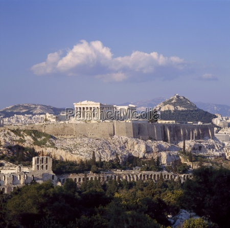 skyline der akropolis mit lykabettos huegel