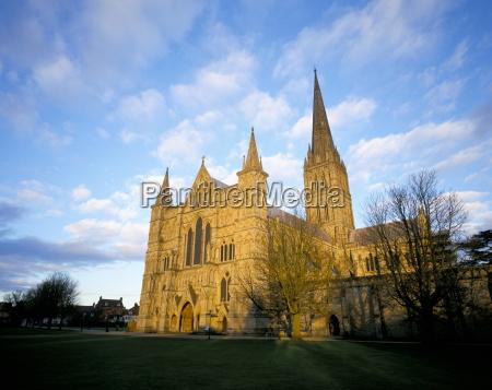 fahrt reisen religioes glaeubig dom kathedrale