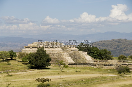 looking north across the ancient zapotec