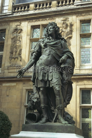 statue of louis xiv outside the
